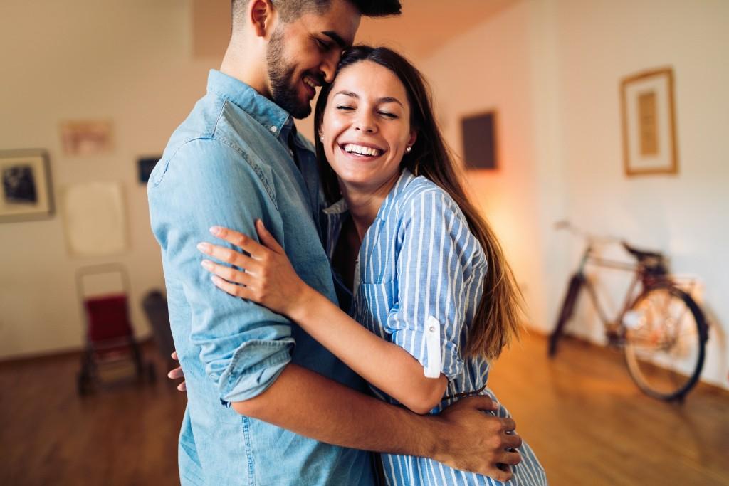 Napi Szerelmi Horoszkópok - 2020-04-17 - Ha gondok vannak szerelmi kapcsolatával, azt ma nem lesz könnyû véka alá rejtenie...