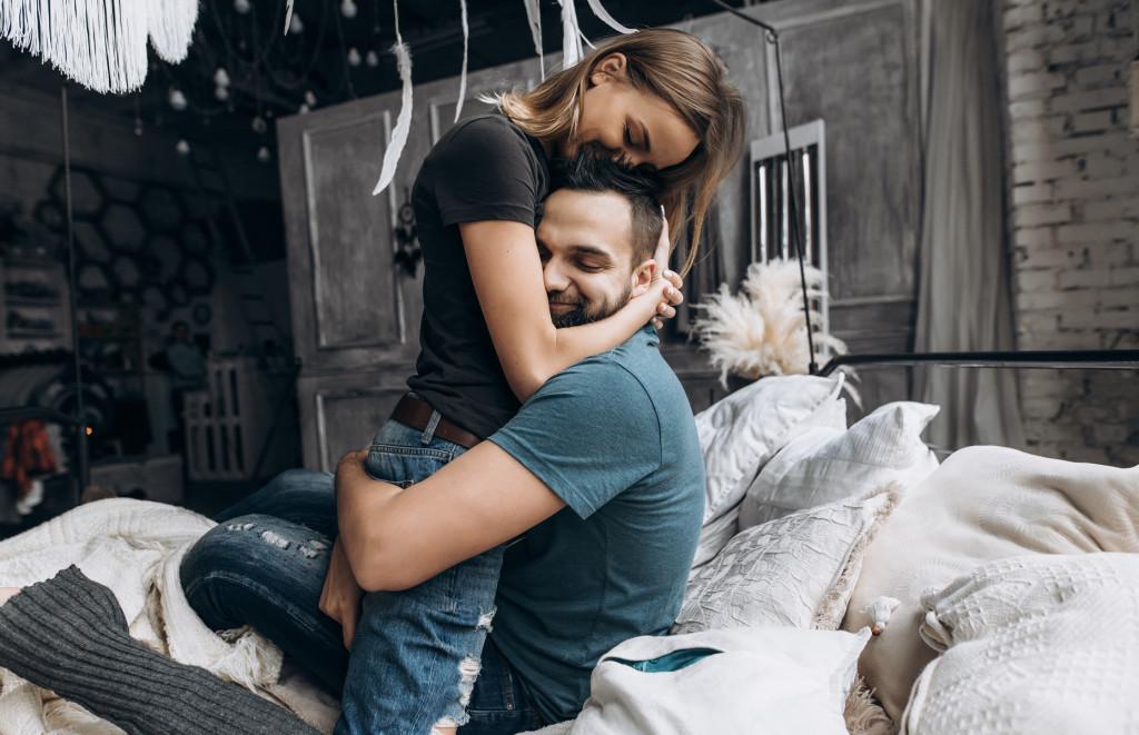 Napi Szerelmi Horoszkópok - 2019-07-27 - Ma tartósan, pozitív irányba haladhatnak szerelmi életében a dolgok...